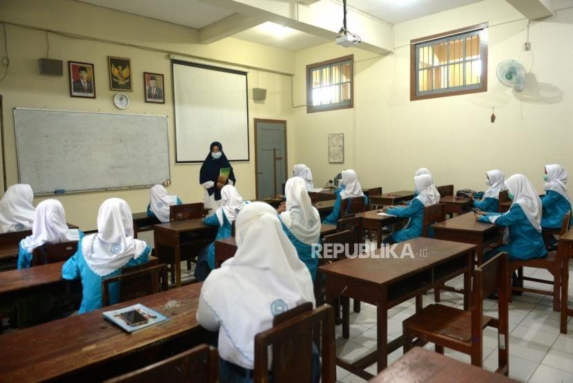 Centang Perenang Arah Kebijakan Pendidikan
